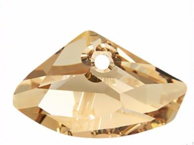 4 Interesting Facts Why People are buying Swarovski Crystal Pendants