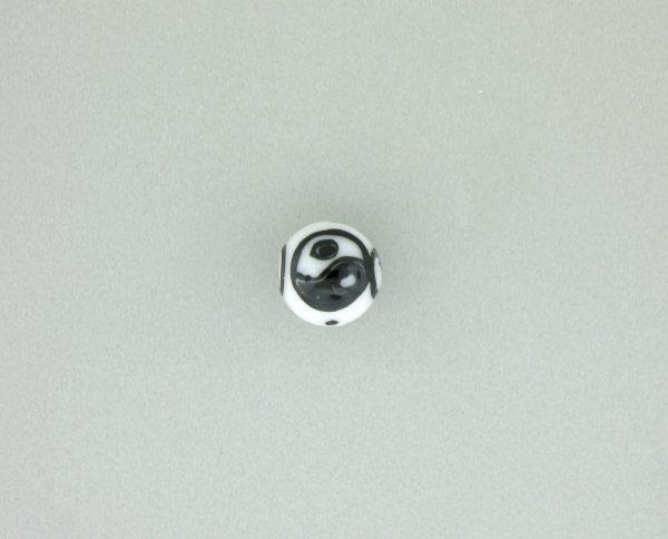 9075 - 8mm Round Ying Yang Porcelain Bead