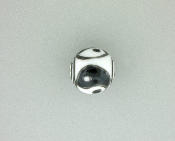 9078 - 13mm Round Ying Yang Porcelain Bead