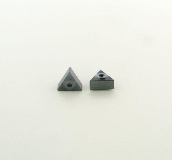 9222 - 7mm Triangle Shape Hematite Beads - 16'' Strand