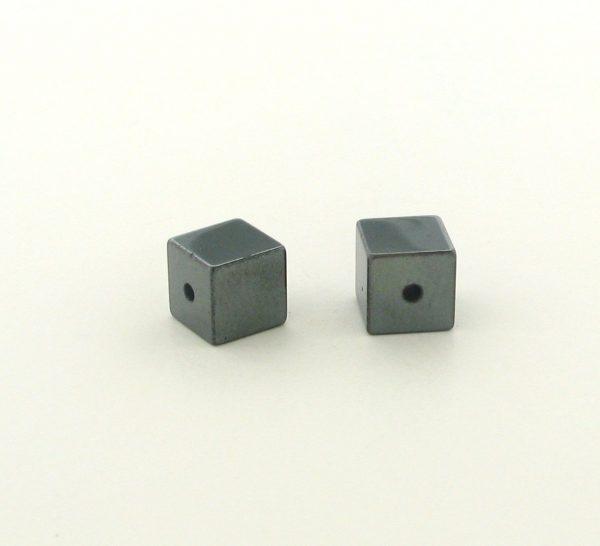 9231 - 4x4mm  Square Shape Hematite Beads - 16'' Strand