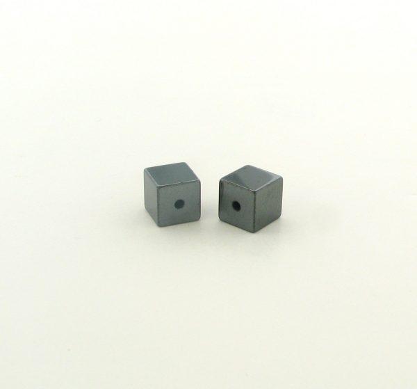 9232 - 3x3mm  Square Shape Hematite Beads - 16'' Strand