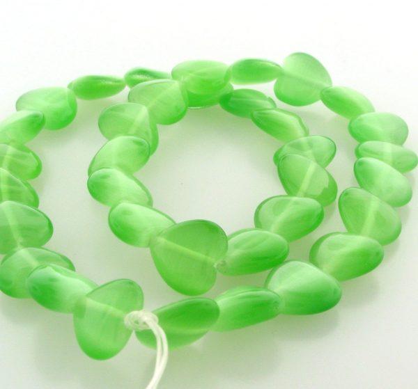 9515 - 12mm Cat's Eye Puff Hearts (16'' strand) - Light Green