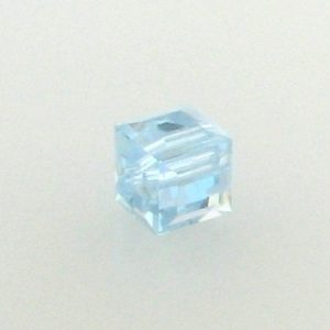 5601 - 6mm Swarovski Cube Crystal - Alexandrite AB