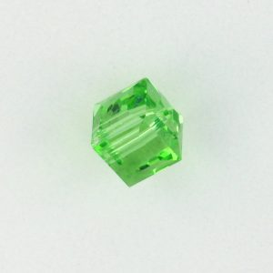 5601 - 8mm Swarovski Cube Crystal - Peridot