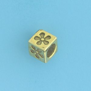 9804 - 5.5mm Gold Plated Character Beads - Flower
